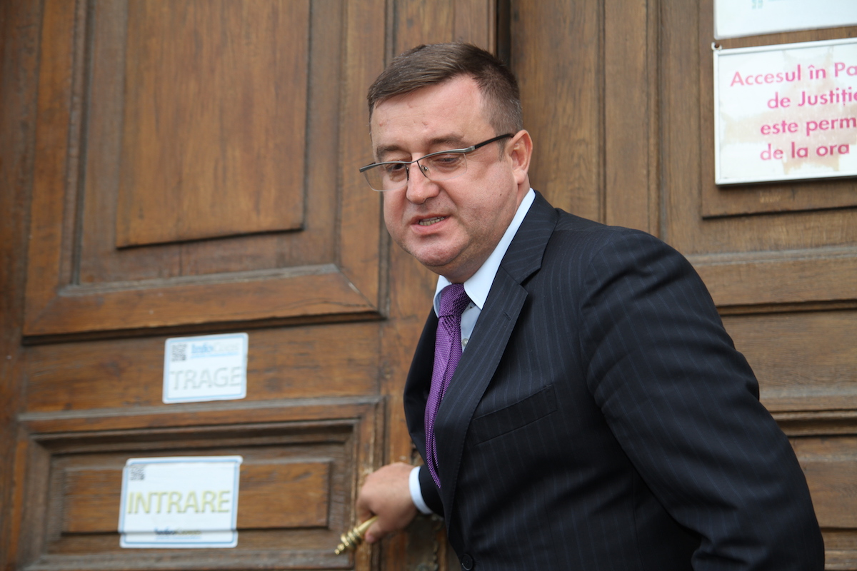 Former Romanian tax agency head sent to court for bribe taking
