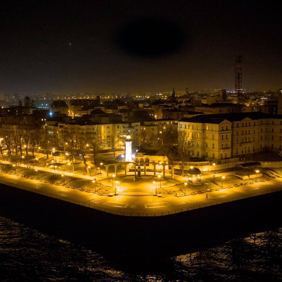Genoese lighthouse in Romanian seaside city lights up again after 100-year hiatus