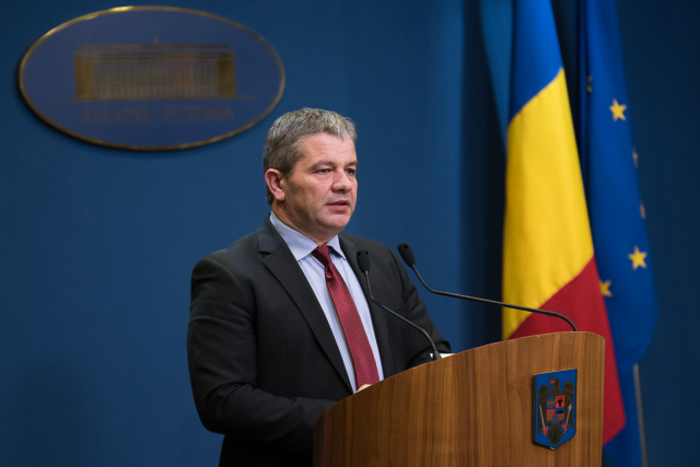 Former Romanian health minister targeted in corruption investigation
