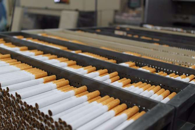 Tobacco producers wait for new Government to set cigarette prices for next year | Romania Insider