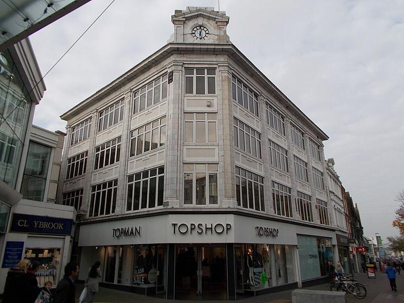 Voici La Mode brings Topshop fashion stores