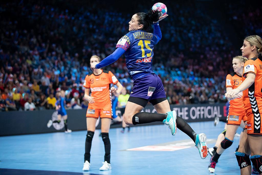 Handball Woman