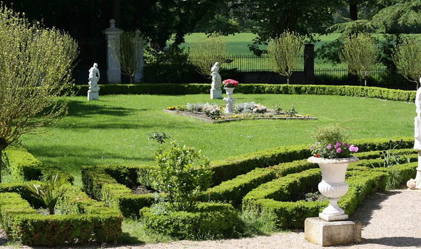 1000 images about russian garden on pinterest - French style gardens ...