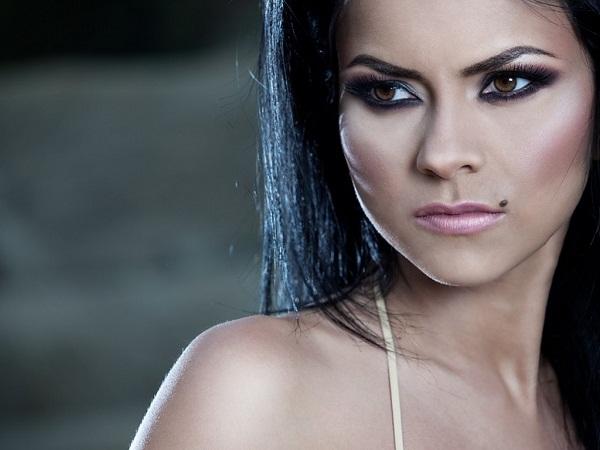 Elena Apostoleanu / INNA Nude Photos 16
