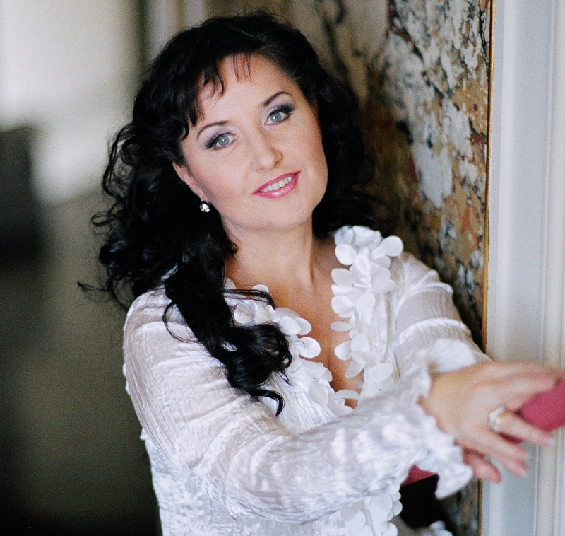 Romanian soprano Elena Mosuc acclaimed in US for leading role in
