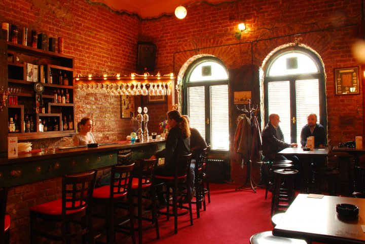 Bar review: James Joyce's Pub, an oasis in the center of