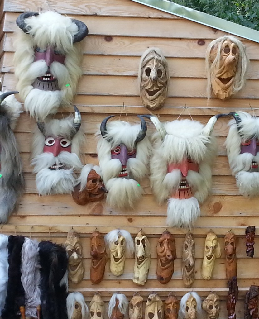 Winter holidays and Christmas traditions in Romania: the Bear ...