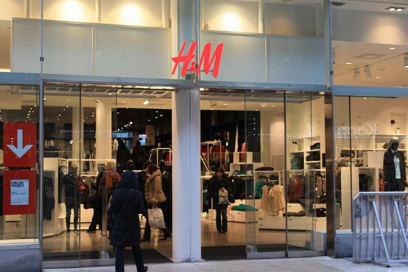 The latest Tweets from H&M Romania (@hmromania). Fashion and quality at the best price.