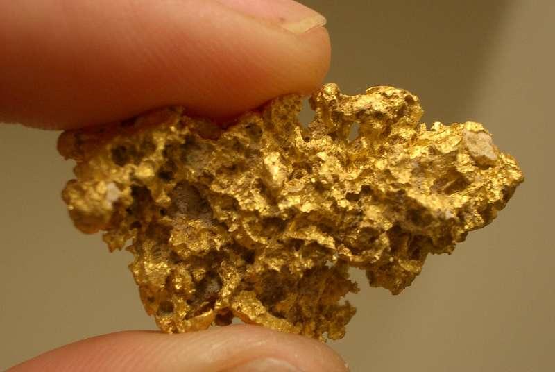 اشياء جميلة مصنوعة الذهب