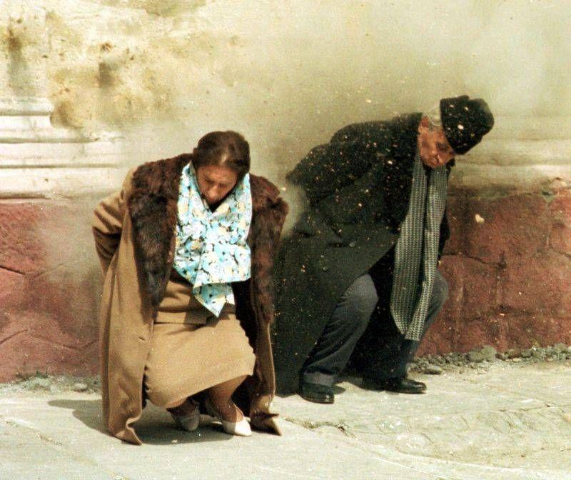 http://www.romania-insider.com/wp-content/uploads/2013/09/executie-ceausescu-evz.jpg