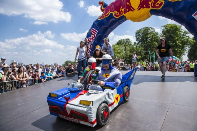 crazy shaped vehicles to go downhill near people s palace in first red bull soapbox race. Black Bedroom Furniture Sets. Home Design Ideas