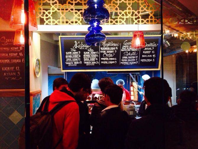 Divan opens new turkish fast food restaurant in bucharest for Divan restaurant bucuresti