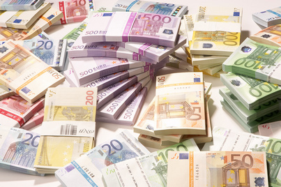 romania s foreign exchange reserves down by eur 1 36 bln in june