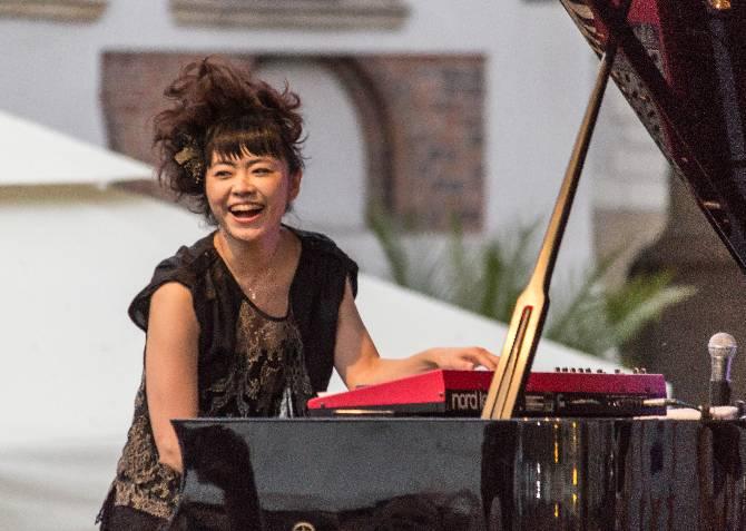 Japanese Pianist Jazz Japanese Jazz Pianist Hiromi