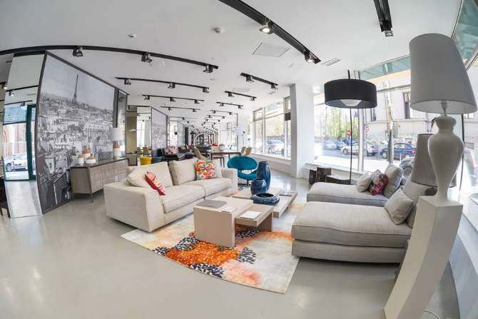 Italian and french top furniture retailers open stores in for Roche bobois italia