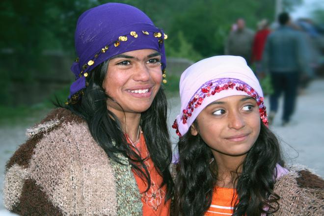 girls Romanian and hungarian