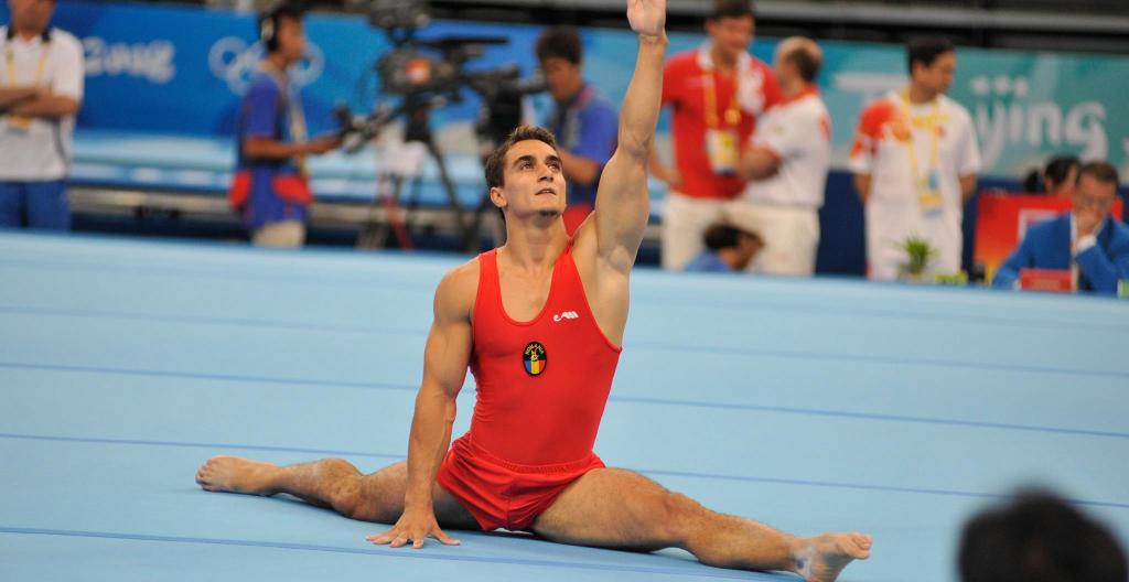 romanian gymnastics champion rebukes tennis star simona halep. Black Bedroom Furniture Sets. Home Design Ideas