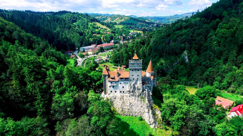 Tea House Opens At Romania S Bran Castle This Fall
