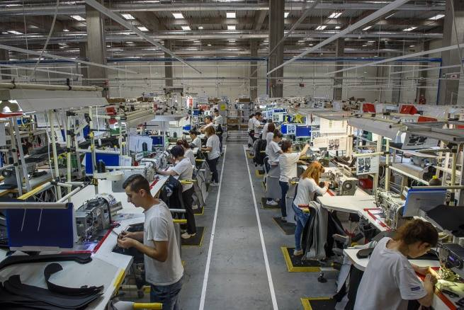 French car parts producer opens new factory in romania romania insider - Faurecia interior systems ...