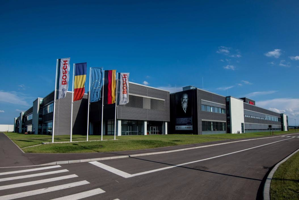Bosch Banco Di Lavoro Bosch Junior : German group bosch invests in educational center at cluj factory